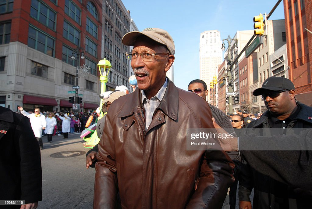 <a gi-track='captionPersonalityLinkClicked' href=/galleries/search?phrase=Dave+Bing&family=editorial&specificpeople=589690 ng-click='$event.stopPropagation()'>Dave Bing</a>, Mayor of Detroit, attends America's Thanksgiving Day Parade at Woodward Avenue on November 22, 2012 in Detroit, Michigan.
