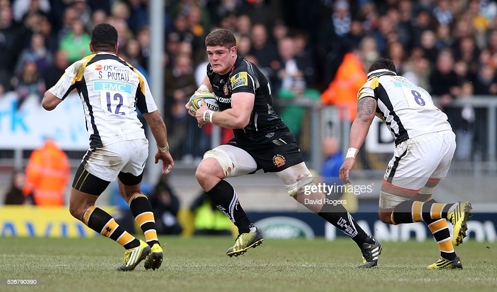 Dave Ewers of Exeter breaks with the ball during the Aviva Premiership match between Exeter Chiefs and Wasps at Sandy Park on May 1, 2016 in Exeter, England.