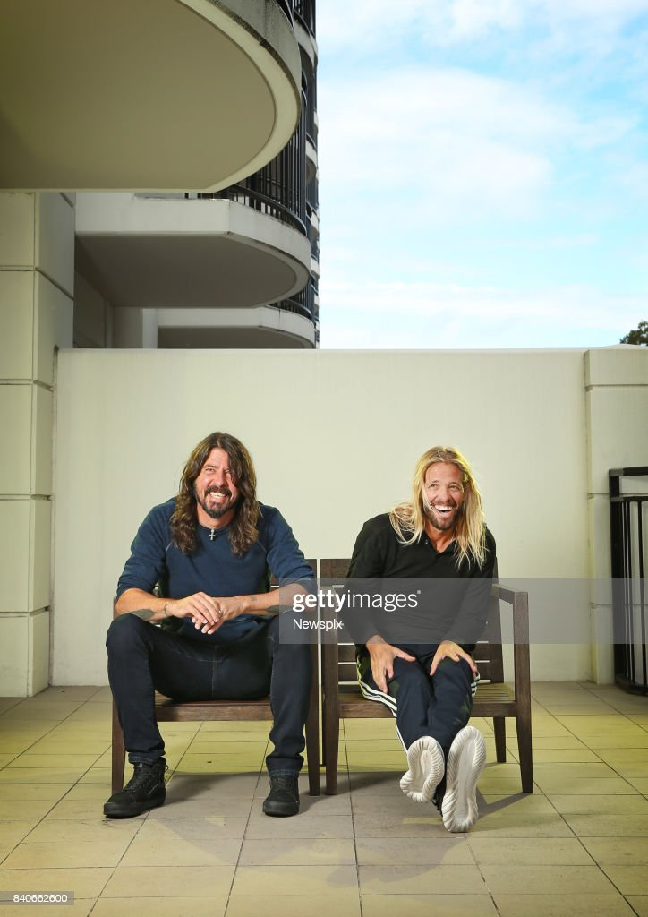 SYDNEY, NSW - (EUROPE AND AUSTRALASIA OUT) (L-R) Dave Grohl and Taylor Hawkins pose during a photo shoot at the Intercontinental Hotel in Sydney, New South Wales.