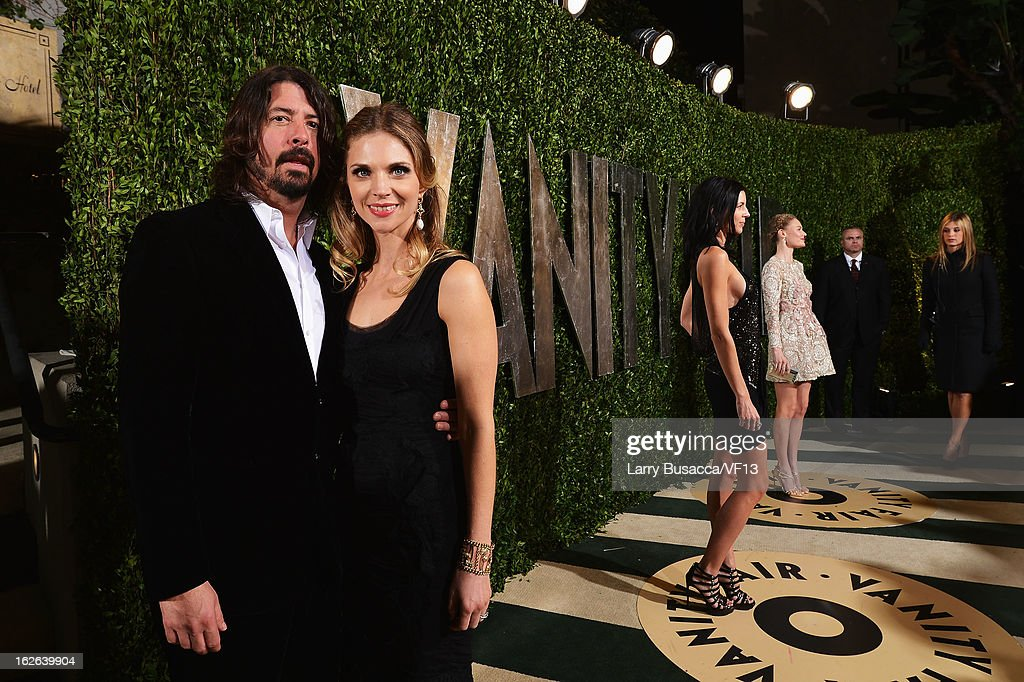 Dave Grohl arrives for the 2013 Vanity Fair Oscar Party hosted by Graydon Carter at Sunset Tower on February 24, 2013 in West Hollywood, California.
