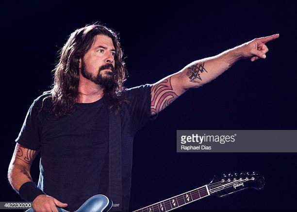 Dave Grohl from Foo Fighters performs at Maracana on January 25 2015 in Rio de Janeiro Brazil