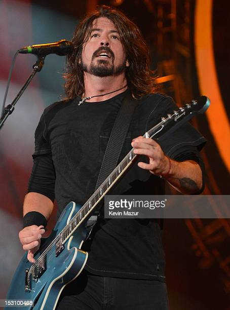 Dave Grohl of the Foo Fighters performs onstage at the The Global Citizen Festival in Central Park to end extreme poverty Show at Central Park on...