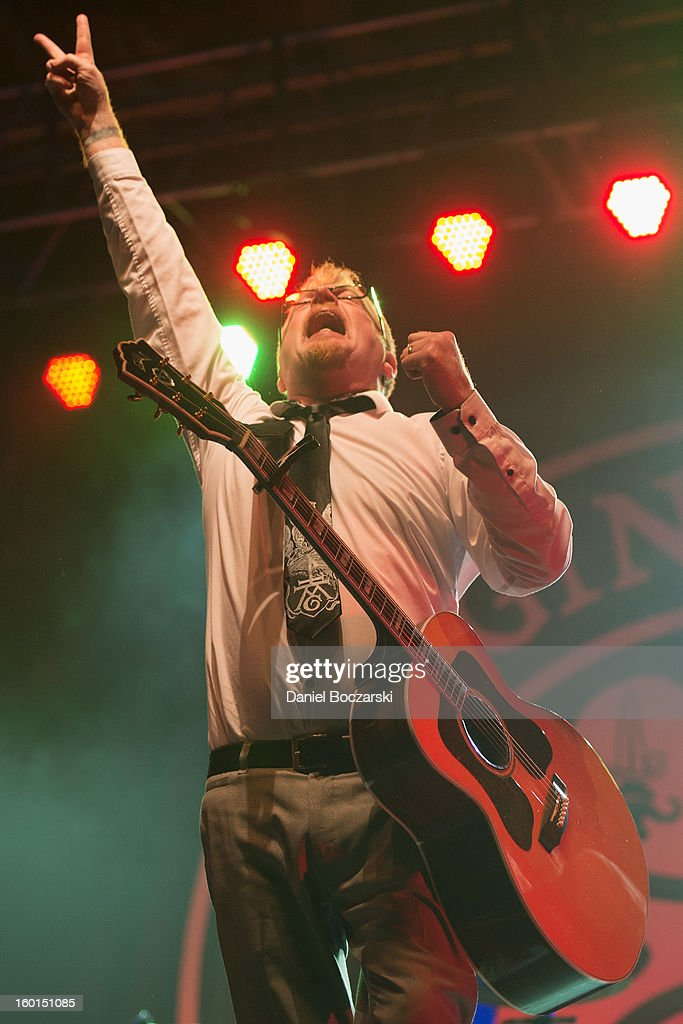 Flogging Molly Perform In Chicago