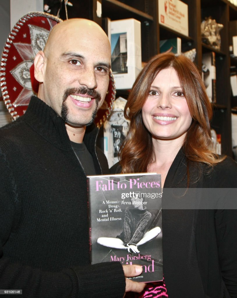 Dave Kushner and Mary Forsberg Weiland at Mary Forsberg Weiland Signs Copies Of Her Book 'Fall To Pieces: A Memoir of Drugs, Rock 'n' Roll, and Mental Illness' at Book Soup on November 16, 2009 in West Hollywood, California.