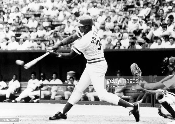 Dave Parker of the Cincinnati Reds swings at the pitch during an MLB game against the Houston Astros circa 1986 at Riverfront Stadium in Cincinnati...