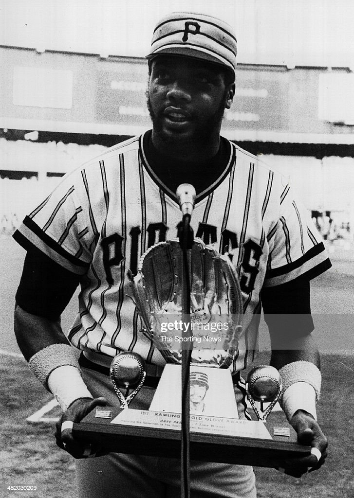 Dave Parker of the Pittsburgh Pirates addresses the crowd while receiving his gold glove award circa 1980s