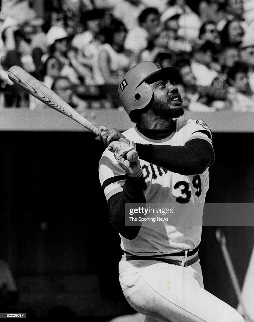Dave Parker of the Pittsburgh Pirates bats circa 1980s