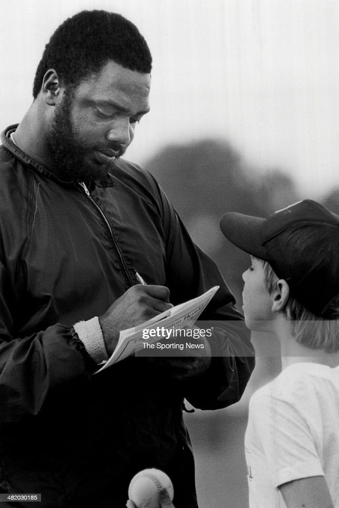 Dave Parker of the Pittsburgh Pirates signs an autograph circa 1980s