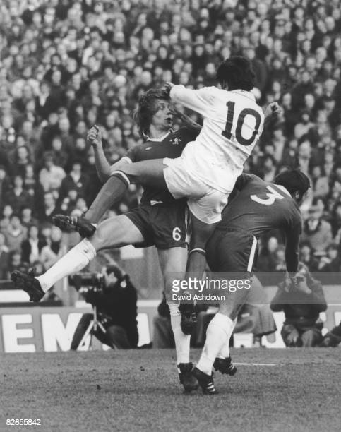 Dave Swindlehurst of Crystal Palace gets above David Hay and Ron Harris of Chelsea during an FA Cup 5th round tie at Stamford Bridge London 14th...
