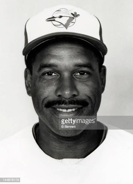 Dave Winfield of the Toronto Blue Jays poses for a portrait circa 1992 in Toronto Ontario Canada