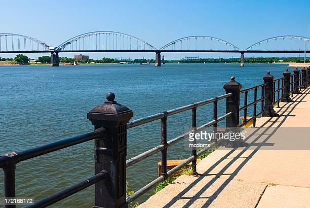 ダベンポート、アイオワ川