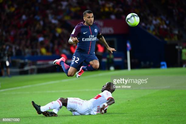 Davi Alves of PSG and Max Alain Gradel of Toulouse during the Ligue 1 match between Paris Saint Germain and Toulouse at Parc des Princes on August 20...