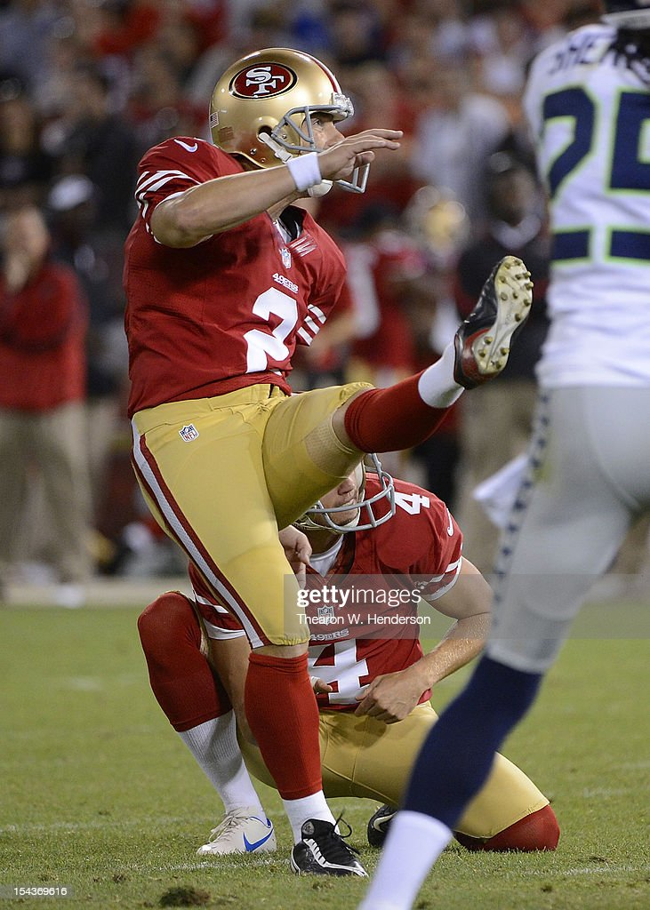 <a gi-track='captionPersonalityLinkClicked' href=/galleries/search?phrase=David+Akers&family=editorial&specificpeople=208094 ng-click='$event.stopPropagation()'>David Akers</a> #2 of the San Francisco 49ers kicks a twenty eight yard field goal against the Seattle Seahawks during the fourth quarter of an NFL football game at Candlestick Park on October 18, 2012 in San Francisco, California. The 49ers won the game 13-6.