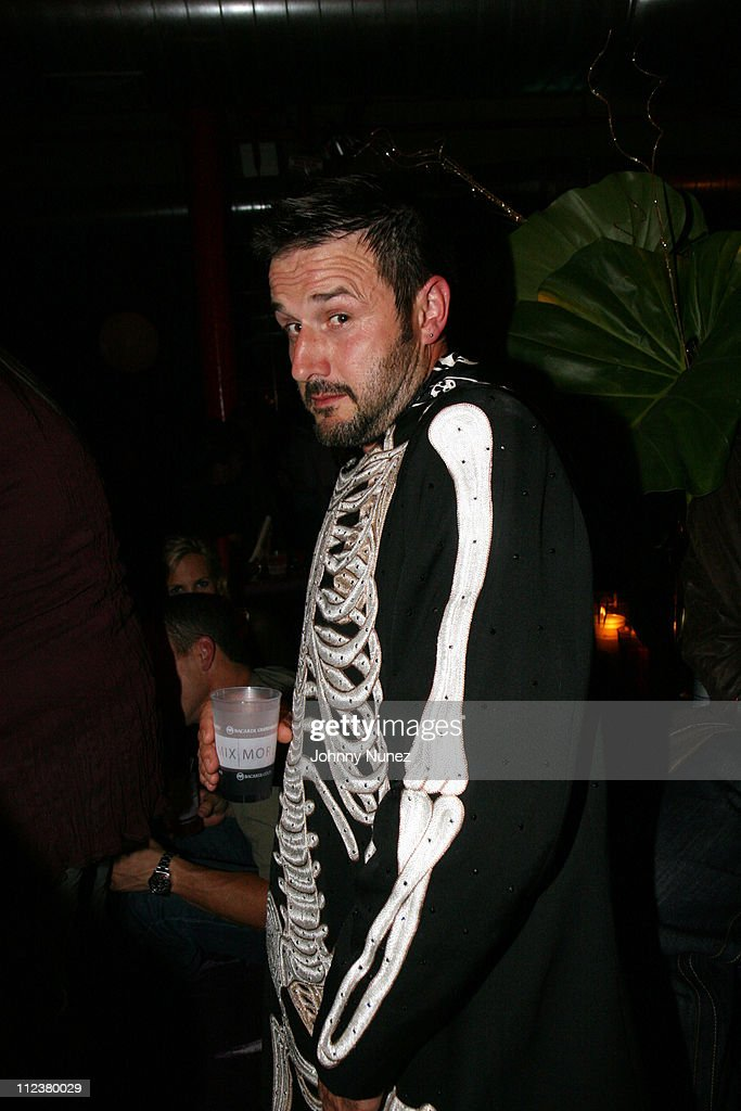 <a gi-track='captionPersonalityLinkClicked' href=/galleries/search?phrase=David+Arquette&family=editorial&specificpeople=201740 ng-click='$event.stopPropagation()'>David Arquette</a> during Bacardi Limon Presents Q-Tip Surprise Birthday Party at the Safe Harbor Loft at The Safe Harbor Loft in New York City, New York, United States.