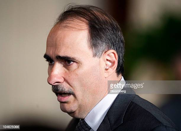 David Axelrod senior advisor to US President Barack Obama chats with an attendee before the announcement of chief of staff Rahm Emanuel's resignation...