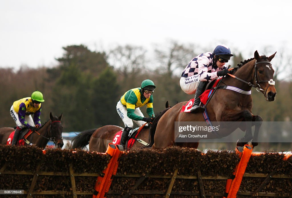 David Bass riding Akavit on their way to winning The Betfred 'Home Of Goals Galore' Juvenile Hurdle Race at Sandown racecourse on February 06, 2016 in Esher, England.