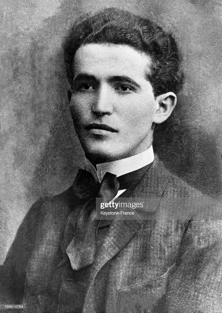 David BEN GURION in his youth around 1906 It was during this time that he landed on the soil of the Promise Land which was then a part of the Ottoman...