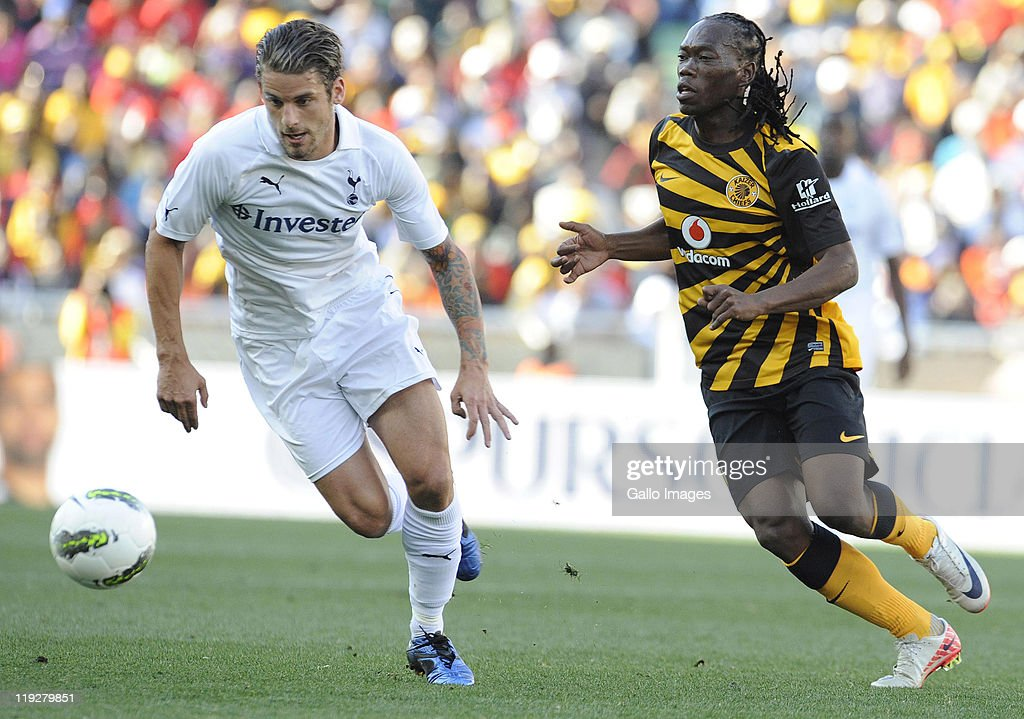<a gi-track='captionPersonalityLinkClicked' href=/galleries/search?phrase=David+Bentley&family=editorial&specificpeople=214578 ng-click='$event.stopPropagation()'>David Bentley</a> (L) of Tottenham Hotspur and <a gi-track='captionPersonalityLinkClicked' href=/galleries/search?phrase=Reneilwe+Letsholonyane&family=editorial&specificpeople=5458900 ng-click='$event.stopPropagation()'>Reneilwe Letsholonyane</a> of Kaizer Chiefs in action during the 2011 Vodacom Challenge match between Kaizer Chiefs and Tottenham Hotspur from Peter Mokaba Stadium on July 16, 2011 in Polokwane, South Africa.