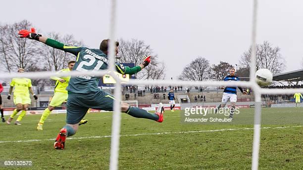 David Blacha of Wiesbaden scores the first goal for his team during the Third League match between FSV Frankfurt and Wehen Wiesbaden at Volksbank...
