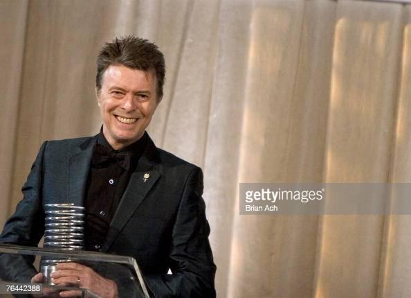 David Bowie accepts the Webby Lifetime Achievement Award