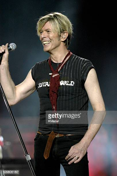 David Bowie 2003 Stock Photos And Pictures Getty Images