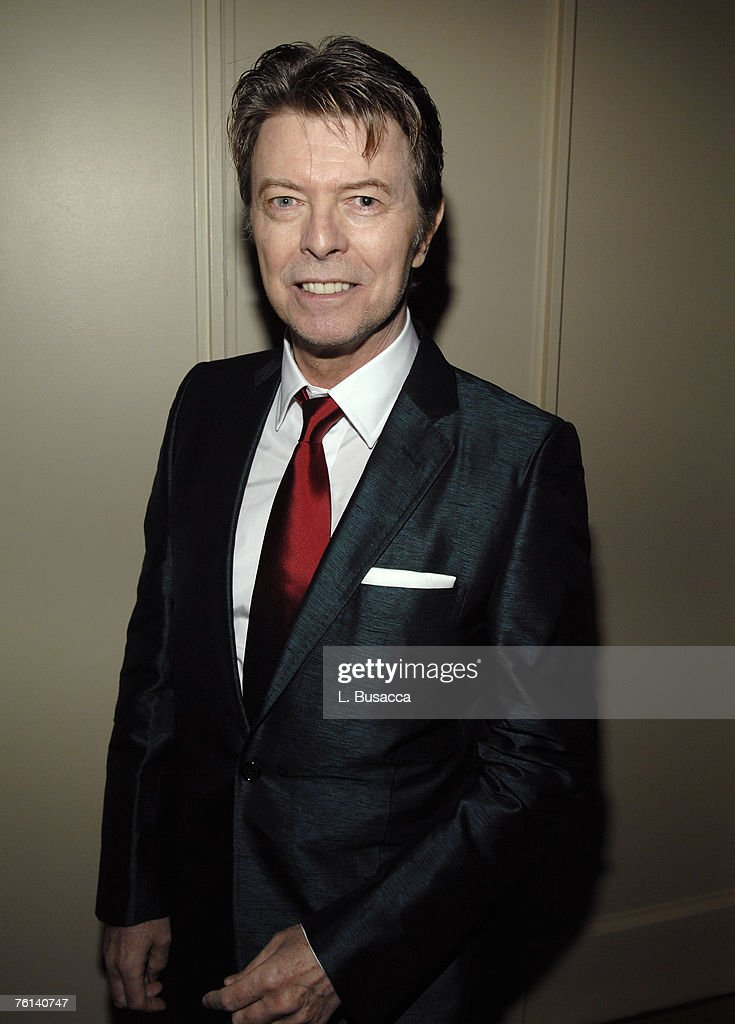 <a gi-track='captionPersonalityLinkClicked' href=/galleries/search?phrase=David+Bowie&family=editorial&specificpeople=171314 ng-click='$event.stopPropagation()'>David Bowie</a>