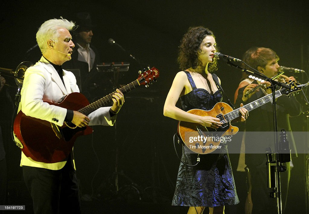 <a gi-track='captionPersonalityLinkClicked' href=/galleries/search?phrase=David+Byrne&family=editorial&specificpeople=210852 ng-click='$event.stopPropagation()'>David Byrne</a> (L) and <a gi-track='captionPersonalityLinkClicked' href=/galleries/search?phrase=Annie+Clark&family=editorial&specificpeople=4537940 ng-click='$event.stopPropagation()'>Annie Clark</a> aka St. Vincent perform in support of their Love This Giant release at the Orpheum Theatre on October 15, 2012 in San Francisco, California.