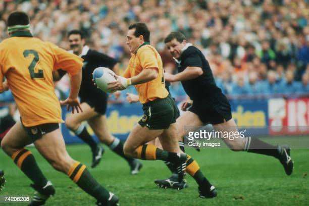David Campese breaks for Australia during the 1991 Rugby World Cup semifinal Australia beat New Zealand 166