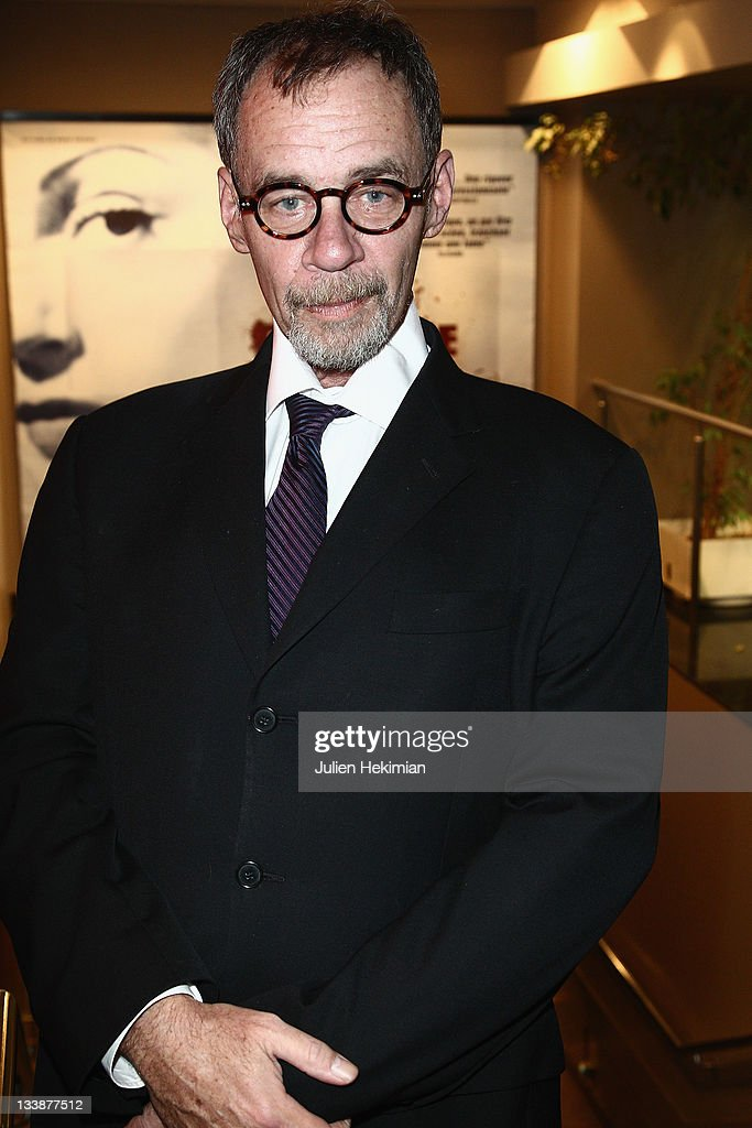 David Carr attends the 'Page One A Year Inside New York Times' premiere at MK2 Beaubourg on November 21 2011 in Paris France