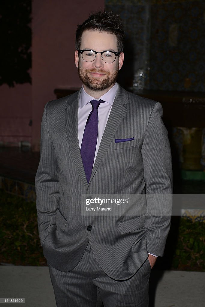 <a gi-track='captionPersonalityLinkClicked' href=/galleries/search?phrase=David+Cook&family=editorial&specificpeople=1320413 ng-click='$event.stopPropagation()'>David Cook</a> arrives at 23rd Annual Chris Evert/Raymond James Pro-Celebrity Tennis Classic Gala at Boca Raton Resort on October 27, 2012 in Boca Raton, Florida.