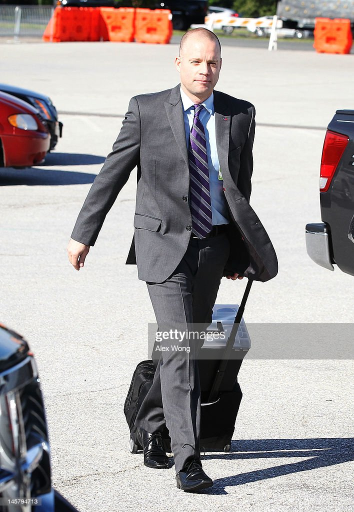 David Coombs, lawyer for U.S. Army Private Bradley Manning, arrives for a motion hearing in the United States vs. Manning case June 6, 2012 in Fort Meade, Maryland. Manning, an Army intelligence analyst, has been accused of passing thousands of diplomatic cables and intelligence reports to the whistleblowing website WikiLeaks and faces 22 charges, including aiding the enemy. Manning returned to court to ask for a dismissal of 10 of the charges.