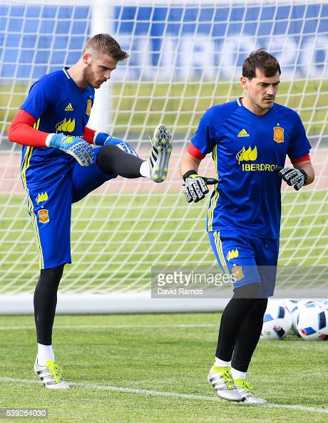 David de Gea and Iker Casillas of Spain of Spain warm up during a training session on June 10 2016 in La Rochelle France