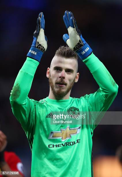 David De Gea of Manchester United appluads supporters during the Premier League match between Manchester City and Manchester United at Etihad Stadium...