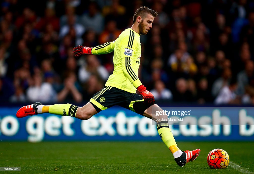 David de Gea of Manchester United in action during the Barclays Premier League match between Crystal Palace and Manchester United at Selhurst Park on October 31, 2015 in London, England.