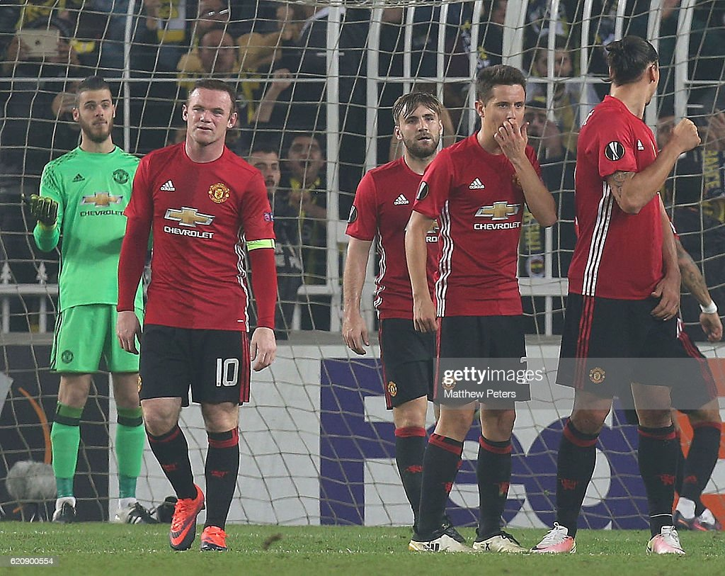 David de Gea, Wayne Rooney, Luke Shaw and Ander Herrera of Manchester United react to conceding a goal to Jermaine Lens of Fenerbahce during the UEFA Europa League match between Manchester United and Fenerbahce at sukru Saracoglu Stadium on November 3, 2016 in Istanbul, Turkey.