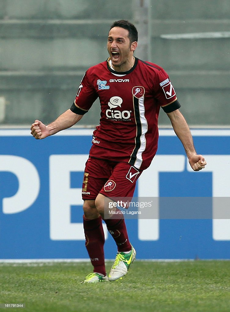 David Di Michele of Reggina celebrates after scoring the winning goal during the Serie B match between Reggina Calcio and Calcio Padova on February 16, 2013 in Reggio Calabria, Italy.