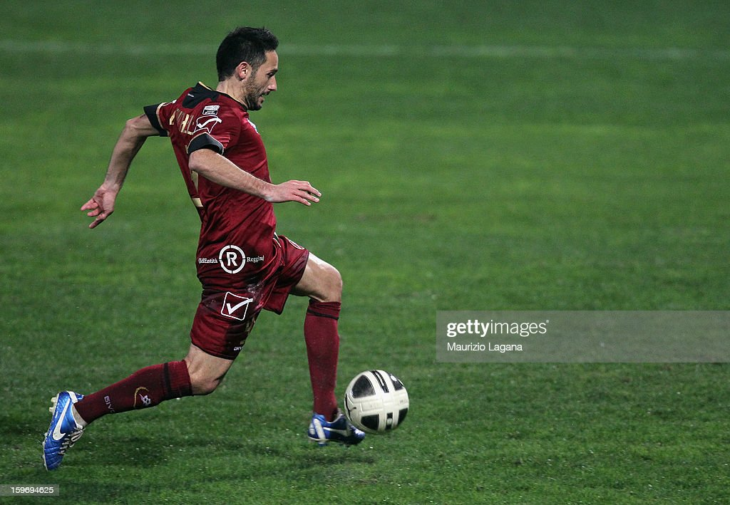 David Di Michele of Reggina scores his team's opening goal during the friendly match between Reggina Calcio and FC Sion on January 18, 2013 in Reggio Calabria, Italy.