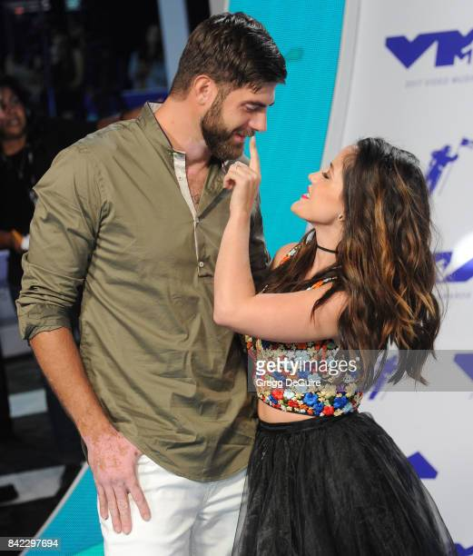 David Eason and Jenelle Evans arrive at the 2017 MTV Video Music Awards at The Forum on August 27 2017 in Inglewood California
