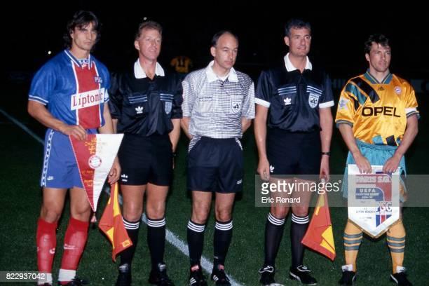 David GINOLA les arbitres Lothar MATTHAUS PSG / Bayern Munich Phase de Poule de la Champions League 1994/1995 Parc des Princes Paris