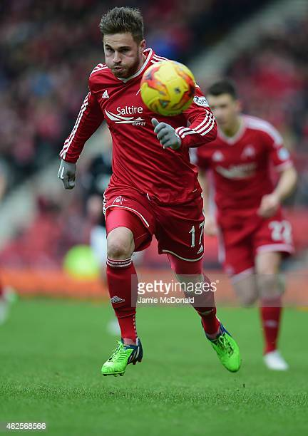 David Goodwillie of Aberdeen in action during the Scottish League Cup SemiFinal match between Dundee United and Aberdeen at Hampden Park on January...