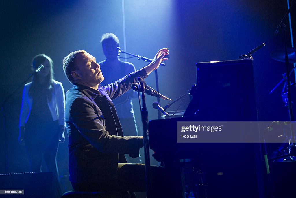 <a gi-track='captionPersonalityLinkClicked' href=/galleries/search?phrase=David+Gray&family=editorial&specificpeople=224673 ng-click='$event.stopPropagation()'>David Gray</a> performs as part of the iTunes Festival at The Roundhouse on September 14, 2014 in London, England.