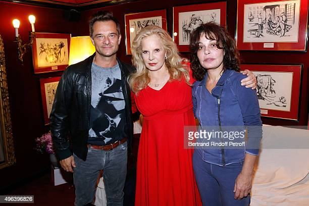 David Hallyday Actresses of the Piece his mother Sylvie Vartan and Isabelle Mergault attend the Theater Play 'Ne me regardez pas comme ca ' performed...