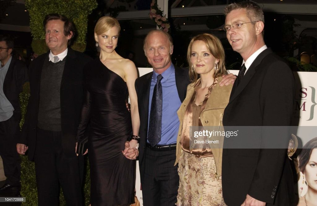 David Hare (screenwriter), Nicole Kidman, Ed Harris, Miranda Richardson & Stephen Daldry (director), 'The Hours' Uk Charity Movie Premiere Held At The Chelsea Cinema In London.
