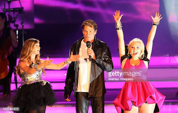 David Hasselhoff and his daughters Hayley Hasselhoff and Taylor Hasselhoff perform during the Starnacht am Woerthersee on July 10 2010 in Poertschach...