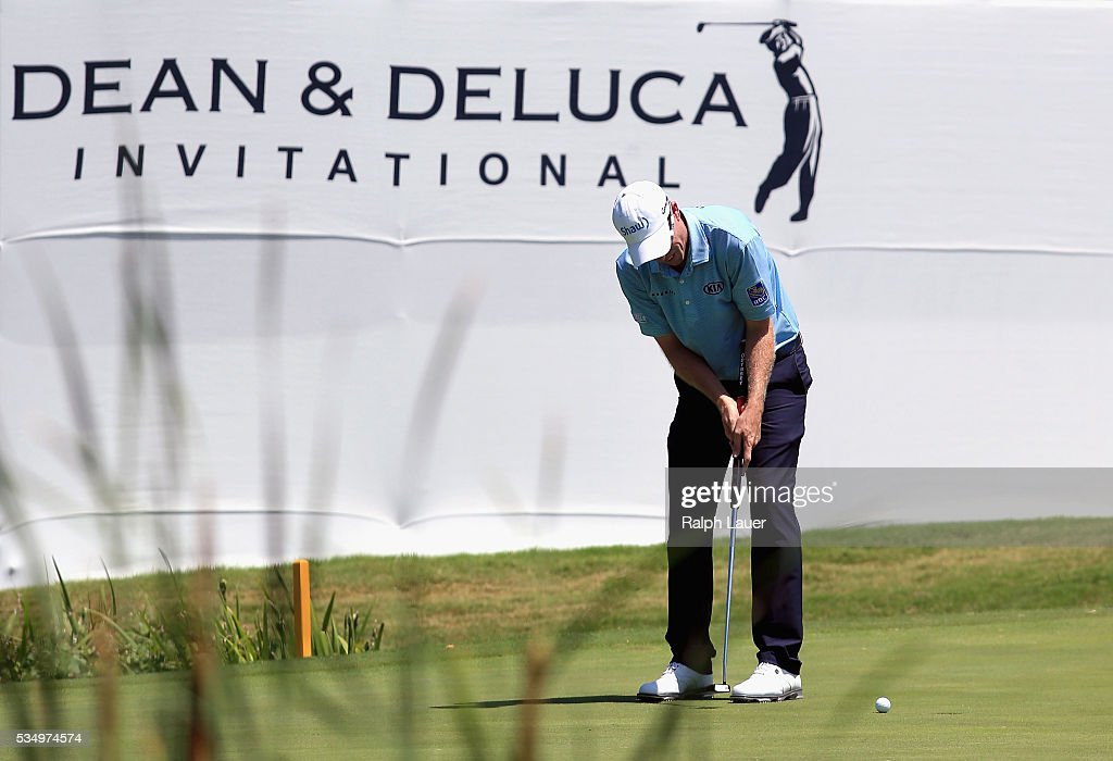 <a gi-track='captionPersonalityLinkClicked' href=/galleries/search?phrase=David+Hearn+-+Golfer&family=editorial&specificpeople=10992491 ng-click='$event.stopPropagation()'>David Hearn</a> of Canada putts on the ninth green during the Third Round of the DEAN & DELUCA Invitational at Colonial Country Club on May 28, 2016 in Fort Worth, Texas.
