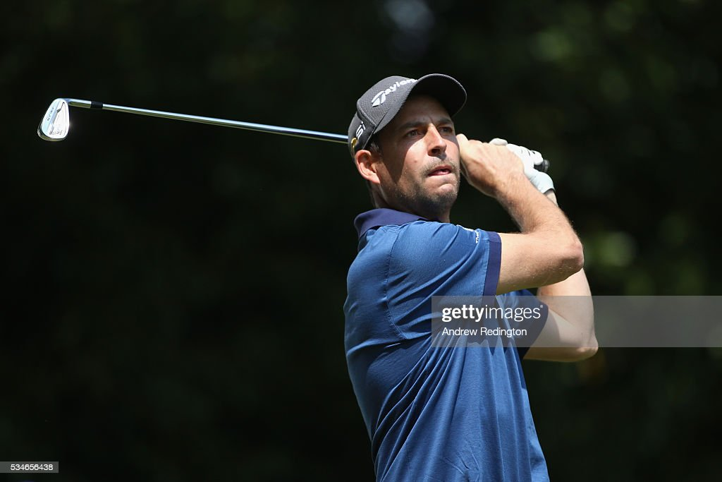 <a gi-track='captionPersonalityLinkClicked' href=/galleries/search?phrase=David+Howell&family=editorial&specificpeople=201681 ng-click='$event.stopPropagation()'>David Howell</a> of England tees off on the 2nd hole during day two of the BMW PGA Championship at Wentworth on May 27, 2016 in Virginia Water, England.