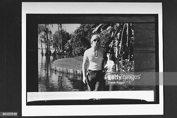 David Jewell w wife Sherri posing by body of water Sherri joined the Branch Davidian cult in the mid'80s married its ldr David Koresh conspired to...