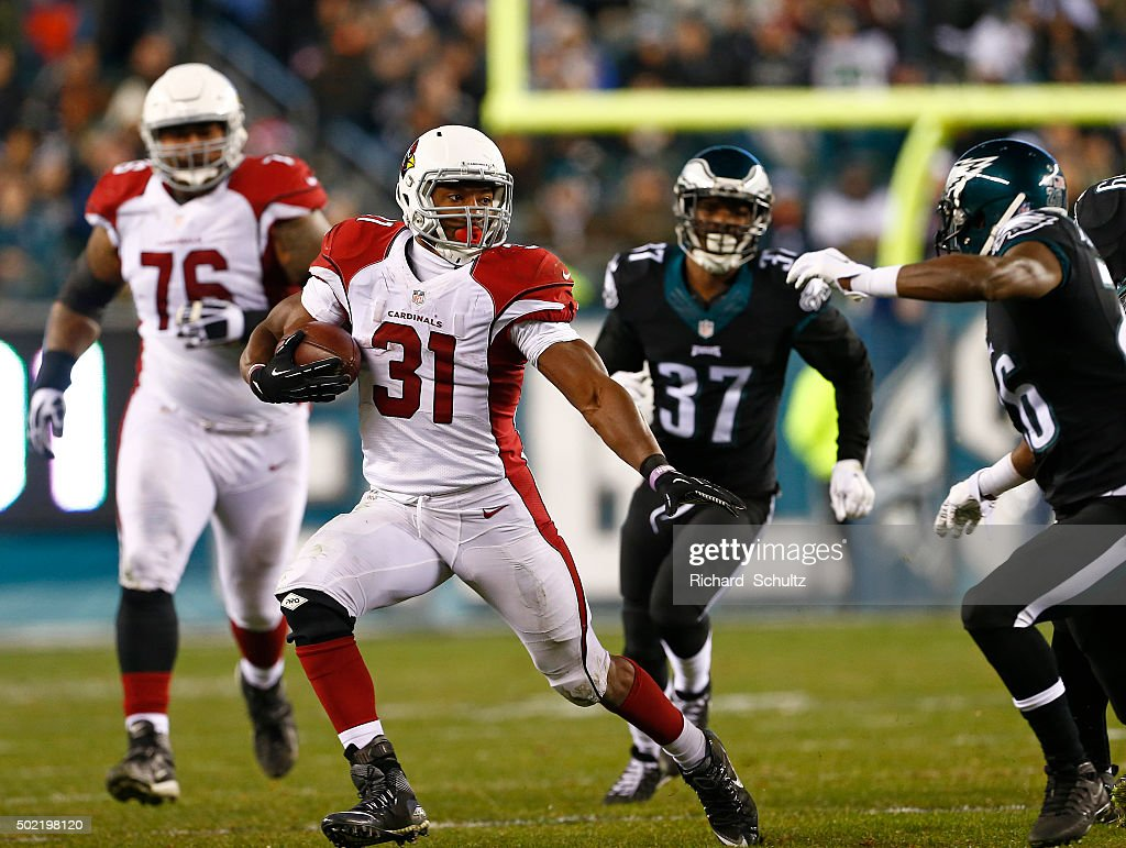 David Johnson #31 of the Arizona Cardinals runs the ball against the Philadelphia Eagles in the third quarter at Lincoln Financial Field on December 20, 2015 in Philadelphia, Pennsylvania.