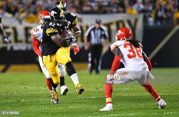David Johnson of the Pittsburgh Steelers in action during the game against the Kansas City Chiefs at Heinz Field on October 2 2016 in Pittsburgh...