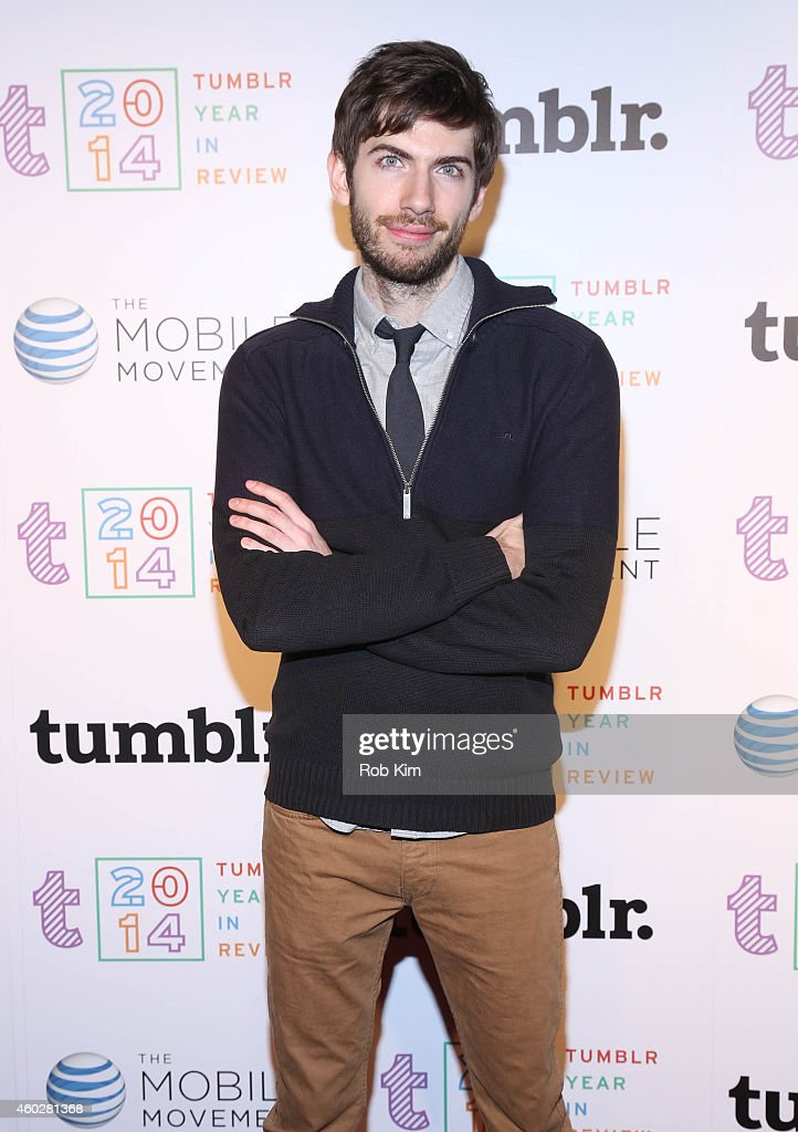 <a gi-track='captionPersonalityLinkClicked' href=/galleries/search?phrase=David+Karp&family=editorial&specificpeople=6603515 ng-click='$event.stopPropagation()'>David Karp</a> (R), founder of Tumblr attends Tumblr's Year In Review 2014 at Brooklyn Night Bazaar on December 10, 2014 in New York City.
